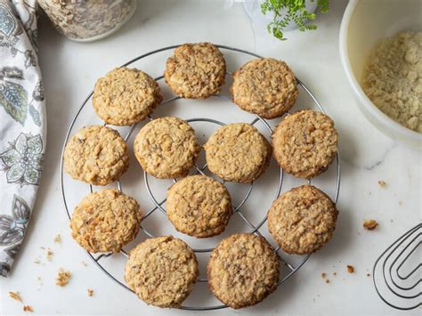 """Combine oats, oat flour, cinnamon, baking soda and salt in a large bowl. Sugar-Free """"Oatmeal Cookies"""" (Low Carb, Keto)   Low Carb Maven"""