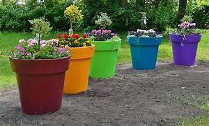 Jardiniere Plastique Gros Volume : de la couleur avec les pots de fleurs et jardini res en ~ Dailycaller-alerts.com Idées de Décoration