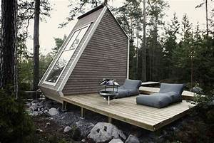 Small, House, Design, With, Large, Wood, Window, To, Enjoy, Summer, Lake, Views