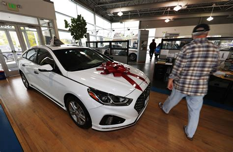What S The Best Lease Deal On Cars by Black Friday Car Deals The Pros And Cons Of Leasing