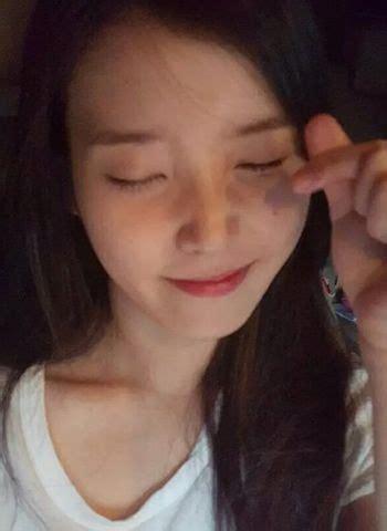 bare face pictures  iu  makeup  dazz fotografi potret wanita gadis korea