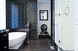 Minimal modern black and white bathroom remodel for Black and white modern bathroom