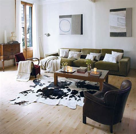Cowhide Rug Decorating Ideas by Cowhide Rug Living Room Beautify The Rooms With Stylish