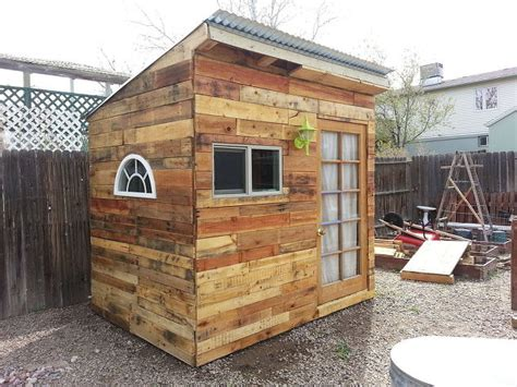 building  garden shed  pallets hometalk