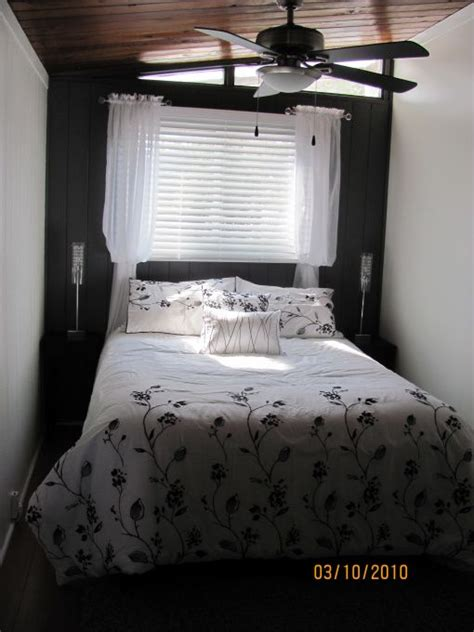 information  rate  space  small bedroom