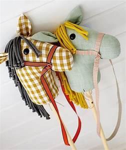Steckenpferd Selber Machen : steckenpferd stoff stil n hen sewing patterns for kids diy toys sewing toys ~ A.2002-acura-tl-radio.info Haus und Dekorationen