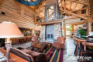 7 Cozy Mountain Lodges for Your Last Winter Hurrah