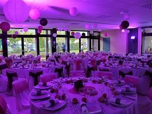 20 idees deco pour votre salle de mariage elle decoration With salle de bain design avec location de décoration pour mariage