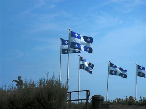 drapeau du quebec le fleurdelise articles