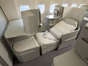 Alitalia unveils new flat-bed Business Class seat on ...