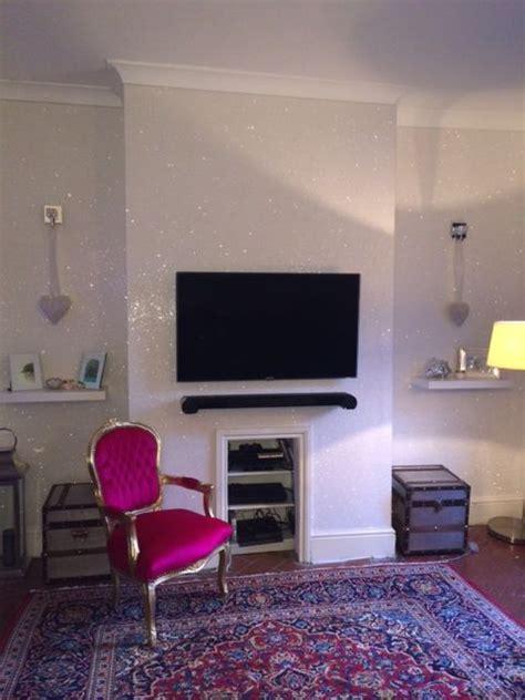 show white glitterwallpaper  home walls residential