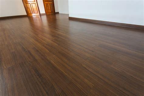 vinyl plank flooring benefits top 6 advantages of installing vinyl plank floors my decorative