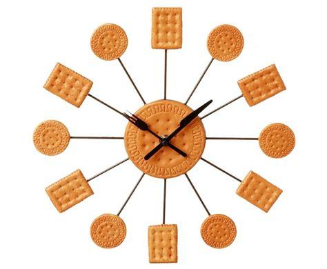 horloge de cuisine une cuisine à l 39 heure avec une horloge