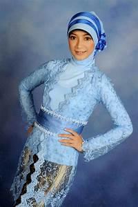 Model kebaya wisuda hijab biru | Model Kebaya Modern | Pinterest | Kebaya and Models
