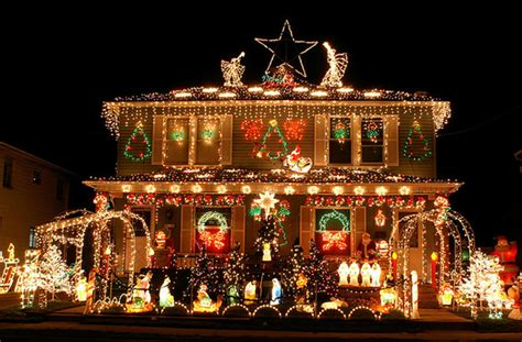 where to see brisbane s best christmas lights brisbane