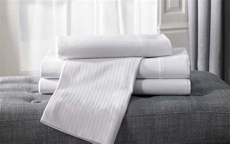 hton inn pillows the best hotel bedding and pillows to use at home travel
