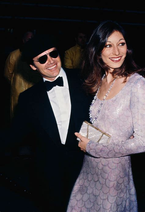 anjelica huston writes about her relationship with jack