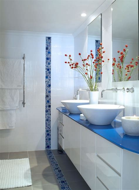Bathroom: Inspiring Blue Bathroom Decoration Using Blue