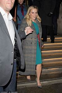 Reese Witherspoon heads to Chiltern Firehouse with Oprah ...