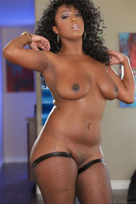 Layton Benton Showing Her Big Ebony Boobs And Butt Of