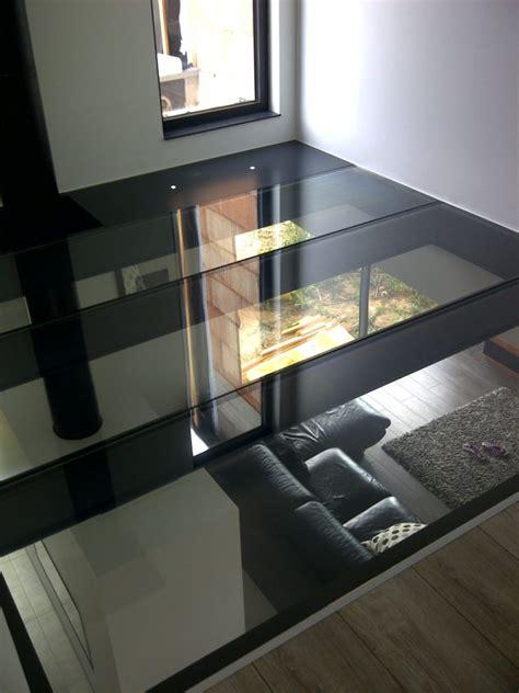 plancher en verre dalle de sol miroiterie righetti