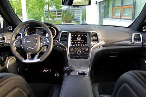 jeep grand cherokee srt geigercars supercharger interior