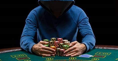 """Smartphone Could Make Live Poker Cheats """"superusers"""""""
