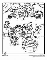 Coloring Halloween Charlie Brown Fall Peanuts Pumpkin Cartoon Theme Woojr sketch template