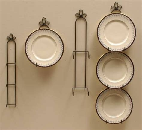 plate hangers curly cue vertical holders decorative plates pinterest plate hangers