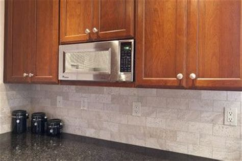 tumbled marble kitchen backsplash maple cabs tumbled marble subway tile backsplash black 6392