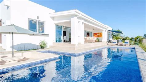 A Spectacular 3000 Sq. Foot Oceanview Villa In Scenic San