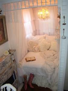 Was Ist Shabby Chic : shabby chic tiny retreat white lace cottage ~ Orissabook.com Haus und Dekorationen