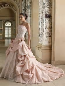 brautkleid seide rosa brautkleid für einen ösen hochzeits look archzine net