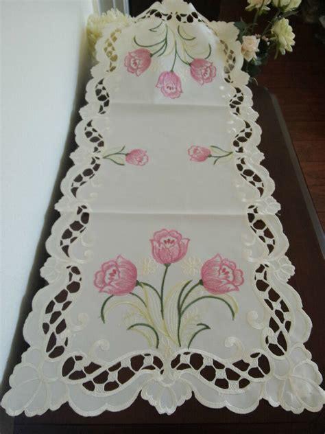 xembroidered table runner pink tulip floral
