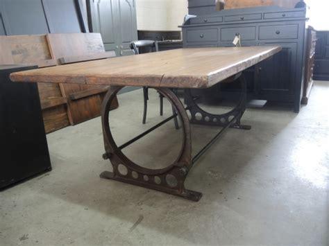 cuisine gaverzicht table de cuisine industriel atelier meuble rustique