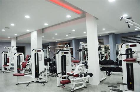 plateau de musculation complet club life fitness