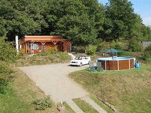 Bungalow Mit Pool : bungalow komfortabel und in einzigartiger lage mei en herr tasso rasch ~ Frokenaadalensverden.com Haus und Dekorationen
