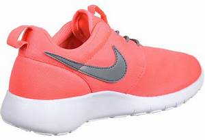 Nike Roshe e Youth GS kids shoes pink neon