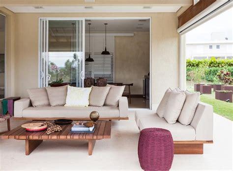 varanda sofa e mesa casa de co ganha varanda mobili 225 rio de design