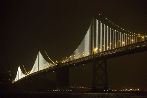 bay lights elaborate sculpture lights up san fran bridge