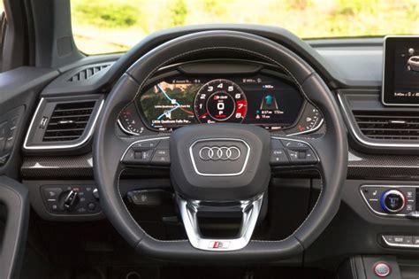 audi sq  drive review practicality   dash