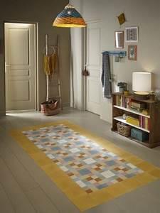 un tapis colore pour delimiter une entree maisonapart With tapis pour une entrée