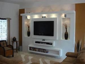 zabudowa telewizora, ściana tv, w salonie, półki na sprzęt rtv z kartongipsu Fotobudowa