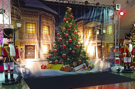 christmas decoration scenes opening skylands stadium