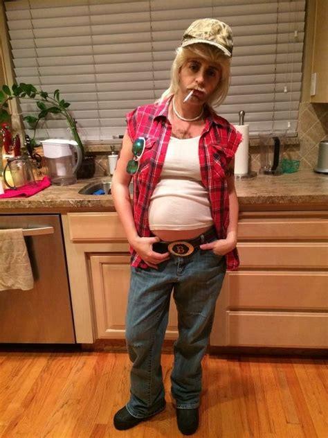 foto de Redneck Couple Costume for Cosplay & Halloween 2019