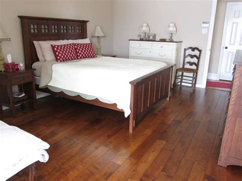 linoleum flooring in bedroom knowing vinyl wood plank flooring pros and cons traba homes
