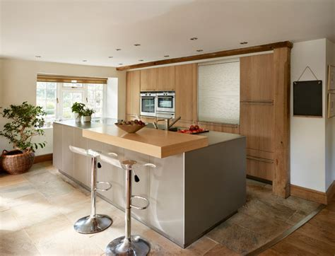 spurwink country kitchen country living contemporary kitchen cheshire 2437