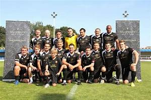 Calzaghe Knocked Out in Sellebrity Soccer Match