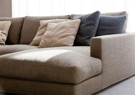 tache canapé tissu conseils comment nettoyer un canapé en tissu et enlever