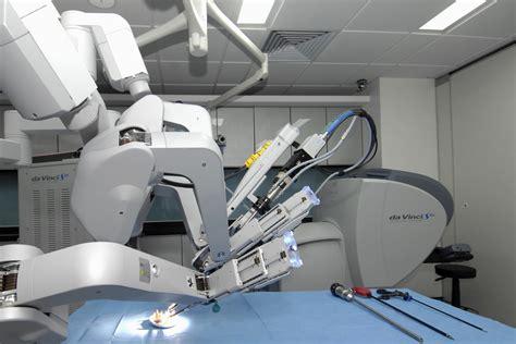 da vinci surgical system urologists